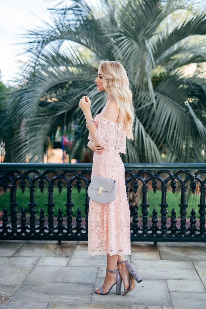 robe champetre tenue cérémonie mariage invitée robe longueur cheville couleur rose pastel robe col bateau manches courtes broderie florale