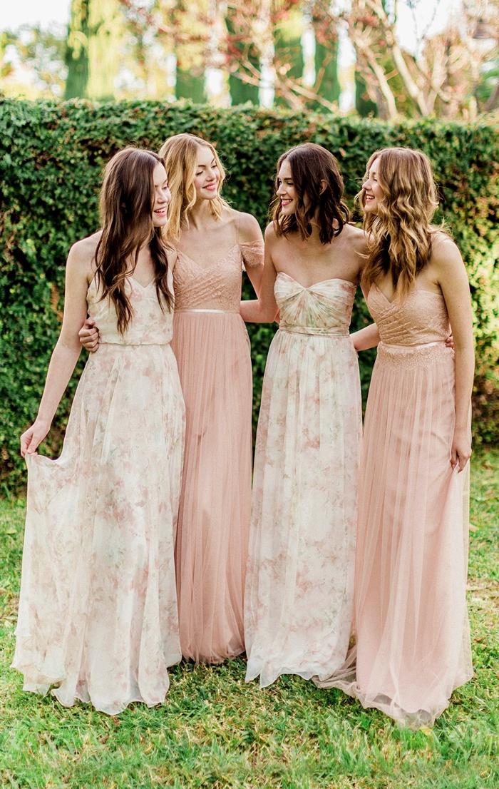 robe de cérémonie mariage tenue invitée cérémonie champêtre robe couleur pêche décolleté en v robe bustier blanche motifs fleurs