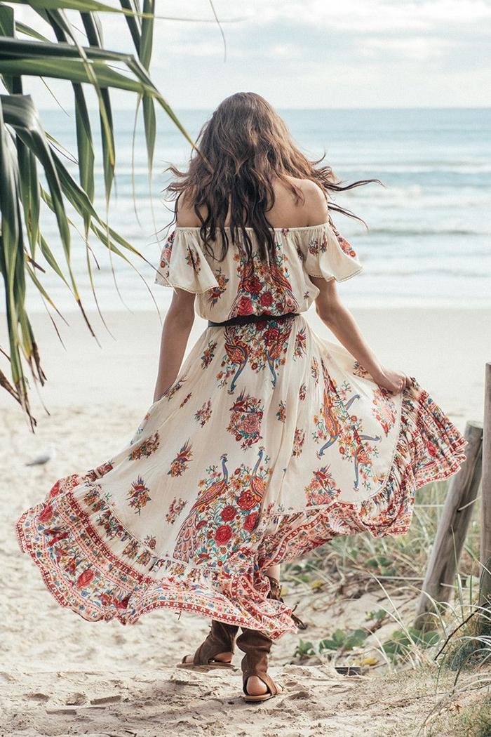 robe longue a fleur mode femme style bohème chic vêtements robe fluide blanche motifs fleurs rouges sandales marron