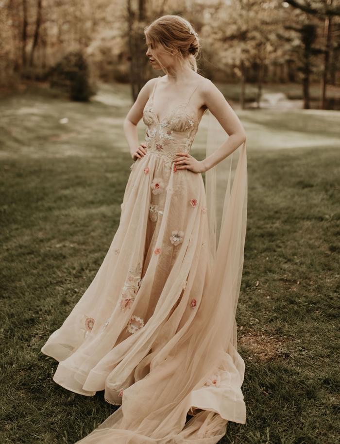 robe longue de soirée tenue cérémonie bohème style champêtre mode robe bustier décolleté bretelles fines voile tulle