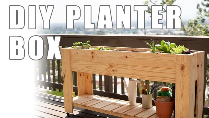 support jardinière à fabriquer soi même diy table balcon avec rangement pour plantes planches bois bricolage pot fleur terre cuite
