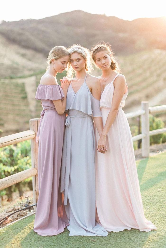 tenue invitée cérémonie champêtre couleurs pastel vêtements été robe invité mariage été robe décolleté en v avec bretelles
