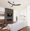 ventilateur plafond casafan idée de ventilateur de plafond desing dans un salon style épuré avec canapé blanc cassé cheminée moderne parquet bois foncé