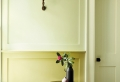 Quelle couleur pour agrandir un couloir ? Solutions de peinture pour couloirs longs, étroits ou sombres