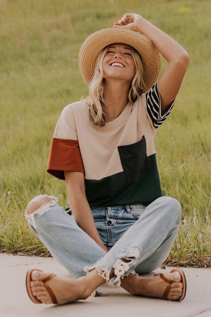 belle fille souriante t shirt coloré rayé et formes geometriques robe soiree ado vetement fille 12 ans idées des tenues bohèmes