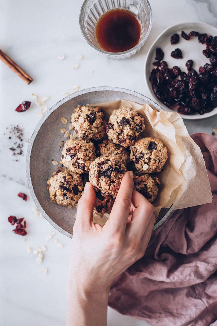 boules protéinés truffes flocons d avoine cerises séchées et chocolat noir recette museli originale de dessert