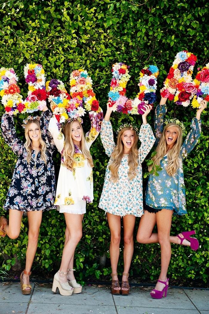 célébration anniversaire entre fille party tenue anniversaire avec robe d été tunique et shorts chaussures à talons couronne de fleurs