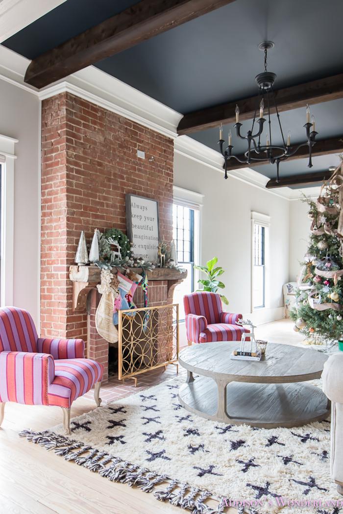 comment peindre un plafond noir meilleure peinture plafond couleur maison joliment decoree roses fauteuils table ronde