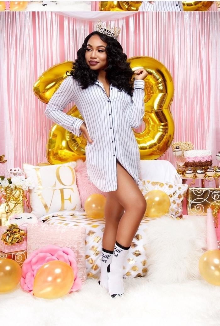 comment s habiller pour un anniversaire pyjama célébration anniversaire femme soirée entre fille chemise robe blanche chaussettes