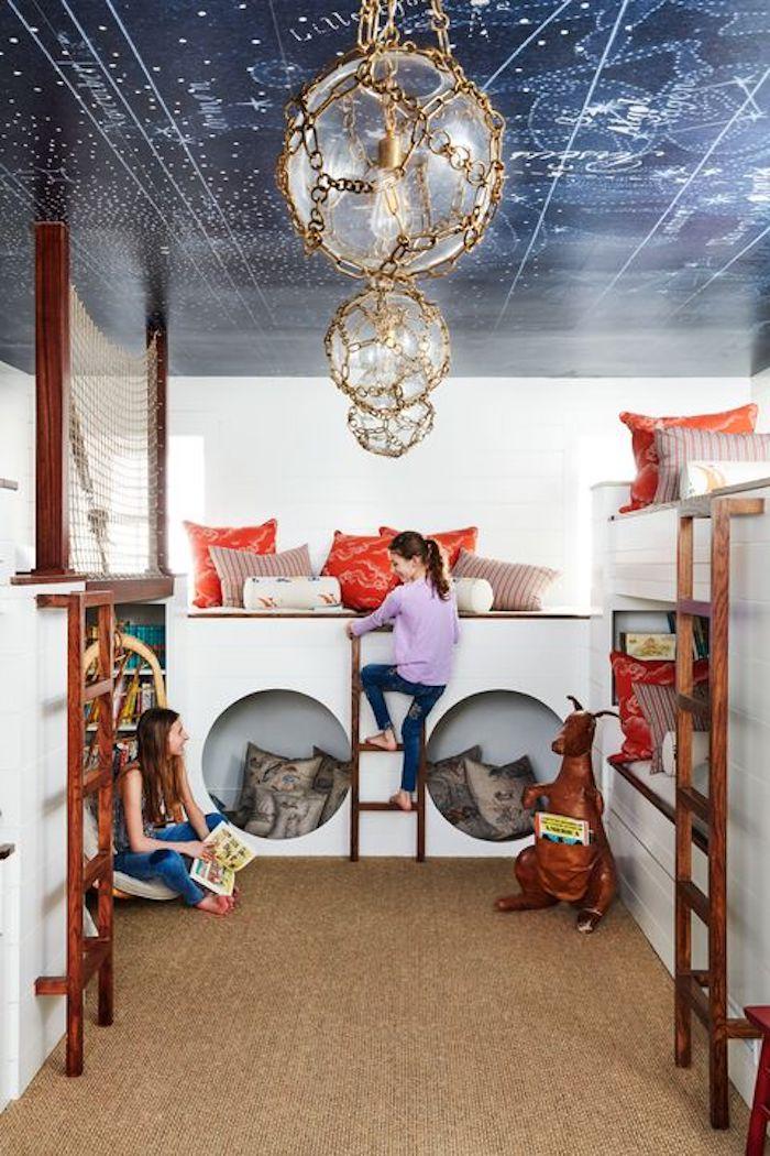 cool chambre pour deux filles exploratrices idée déco salle de jeux meuble de rangement jouet simplicité