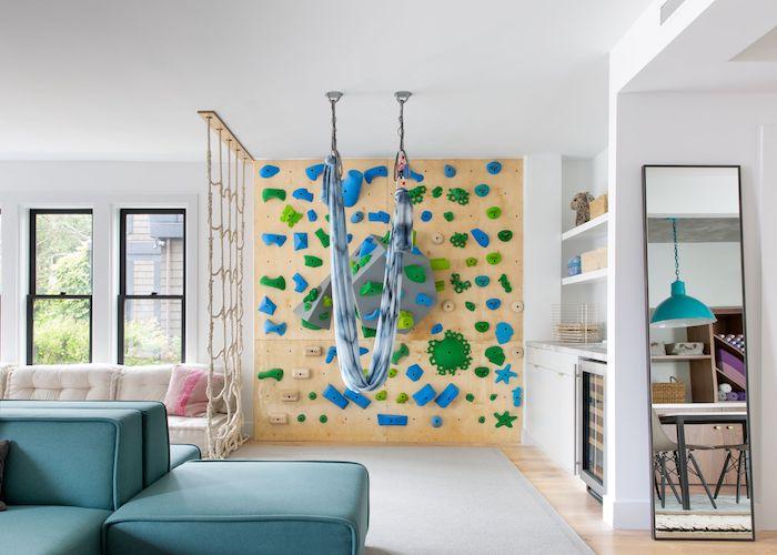 cool idée salle de jeux pour les plus grands meuble rangement jouet salle de jeux maison stylé mur bois escalade hammac