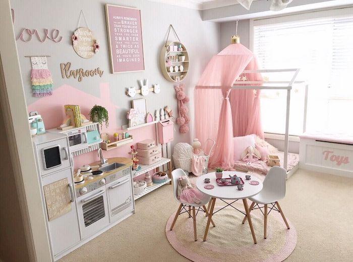 design chambre lit maison montessori idée déco salle de jeux meuble de rangement jouet simplicité