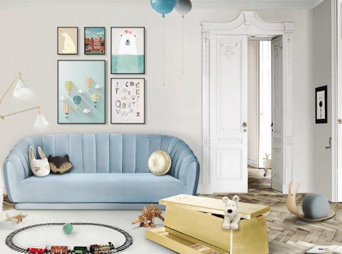 inspiratrice salle de jeux enfant meuble rangement jouet beau intérieur canapé bleu claire boite pour les jouets chien en pelouche