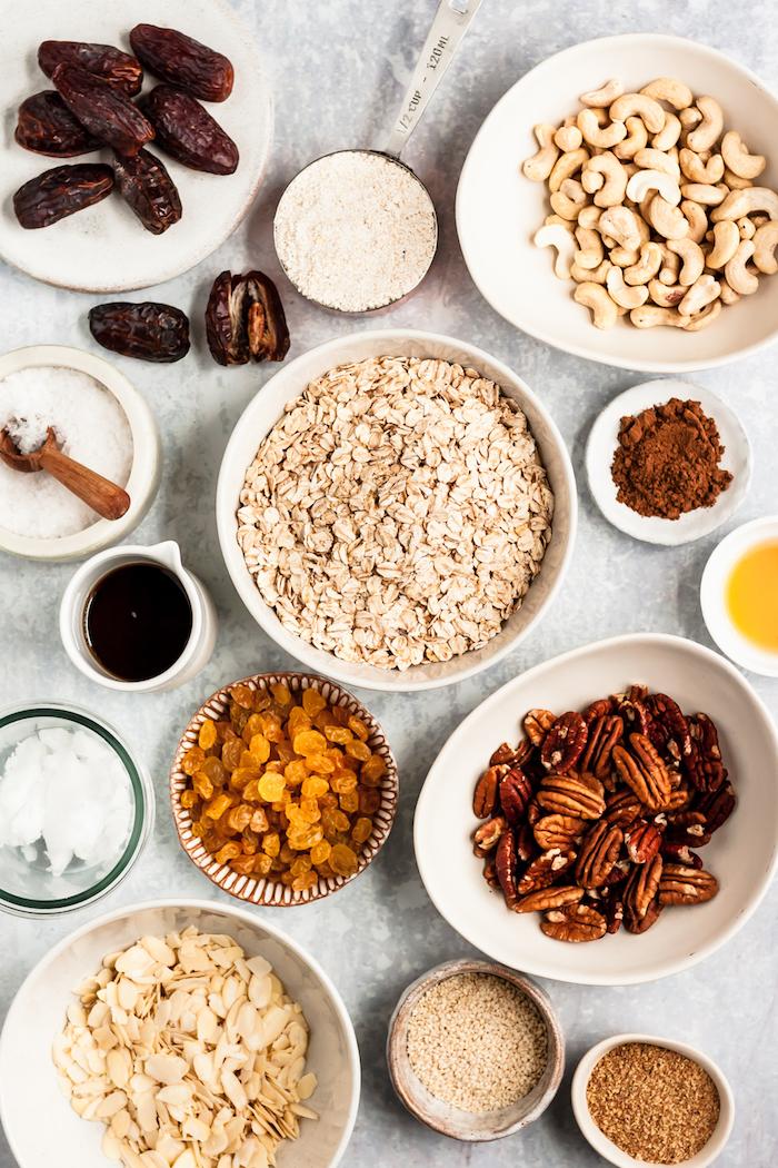 petit dejeuner flocon d avoine noix pecans raisins secs huile de coco graines variées céréales granola a faire soi meme