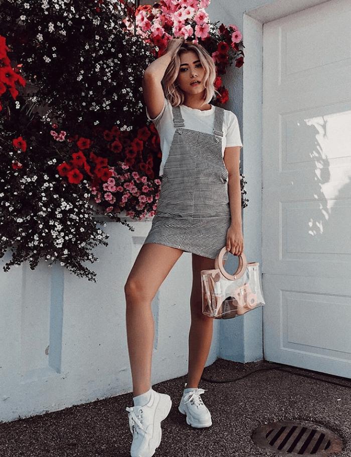 photo jardin fleurie blanche t shirt et salopette carré vetement fille 12 ans que porter pour la rentree scolaire tendances basket blanche
