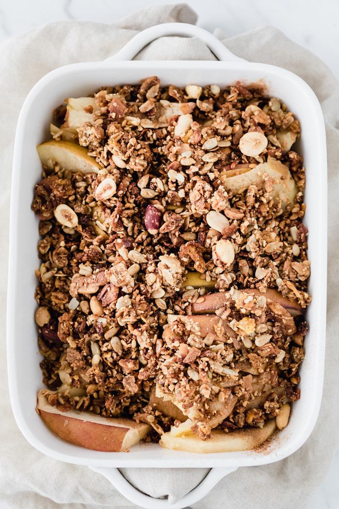 recette de crumble pomme avec du granola que manger le matin idee de petit de jeuner healthy au noxi graines cannelle