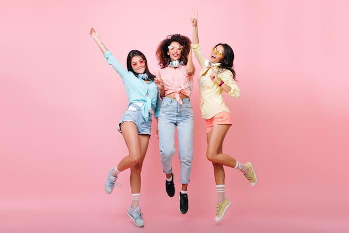 tenues colorés amies pastel chemise tenue swag mode ado fille vetement fille 14 ans la meilleure tendance