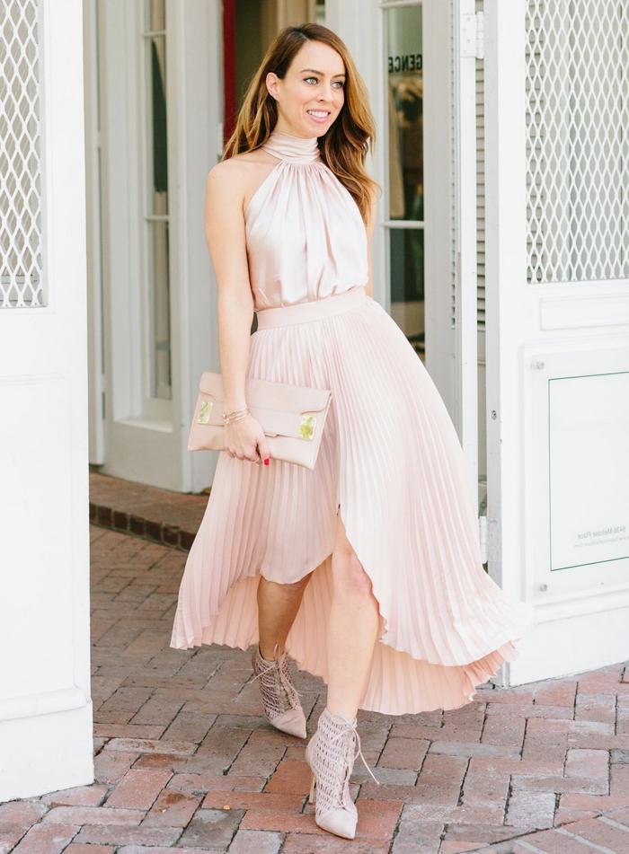 été automne marige invitee comment porter la jupe plissée tenue avec chaussures a talon simple et cool