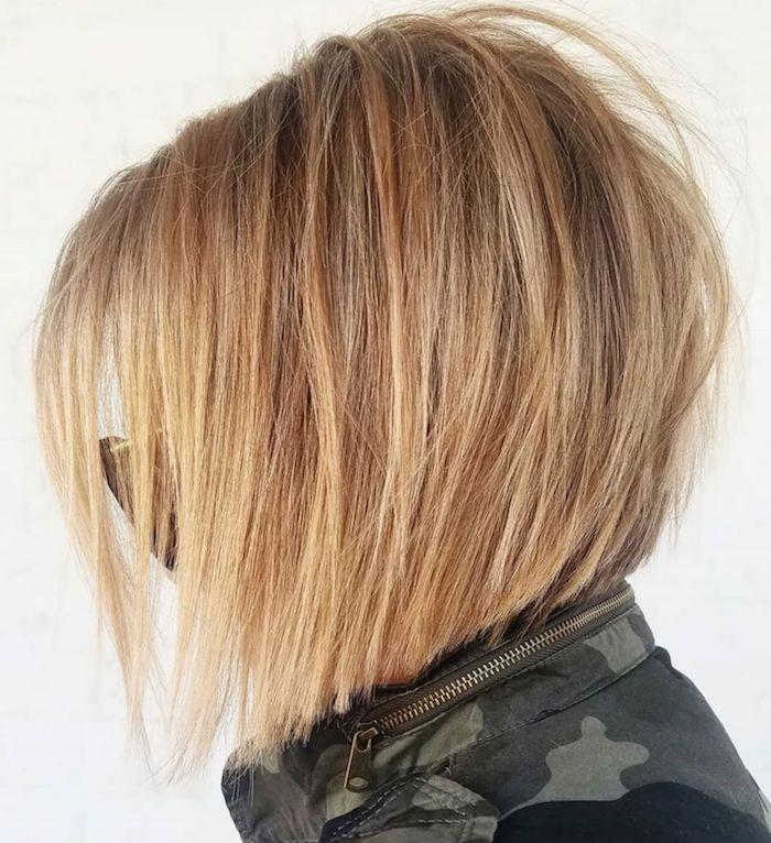 6 coupe courte femme cheveux fins femme blonde avec des lunettes de soleil