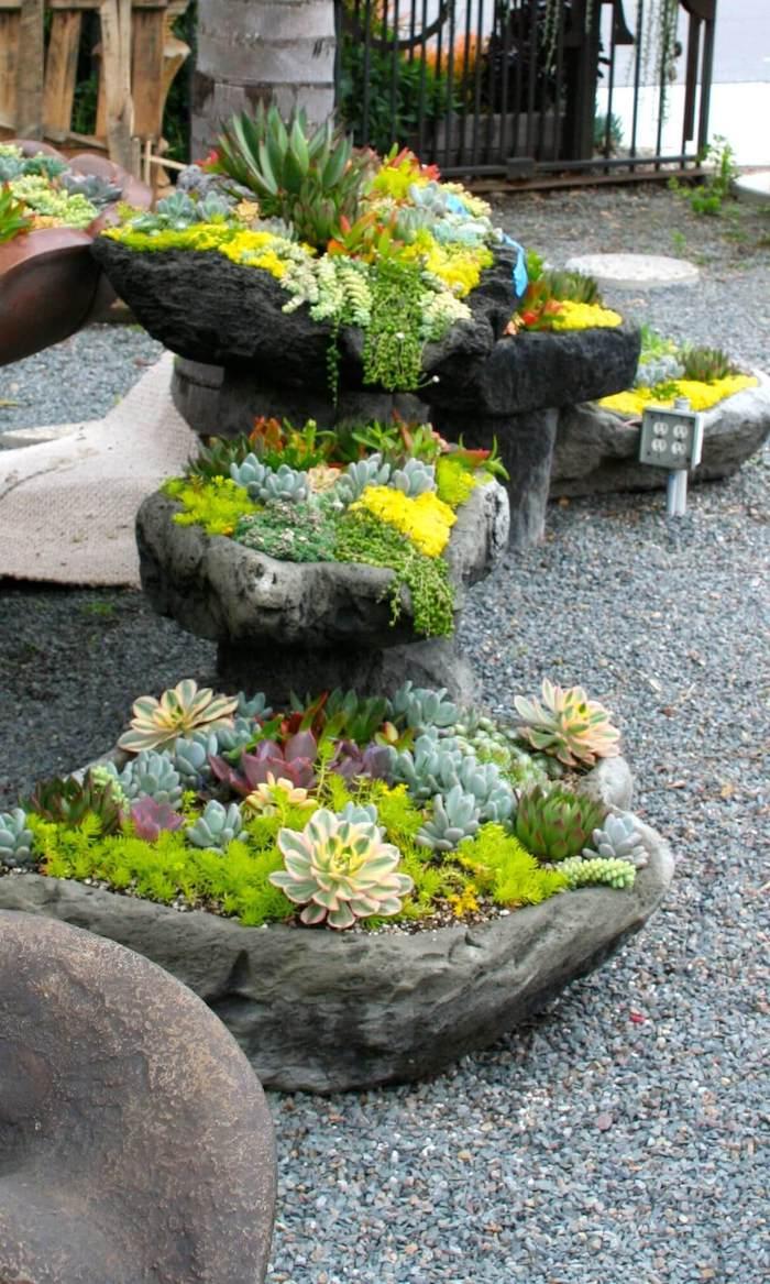 allée maison idee d aménagement en gravier et pierre costruites comme pot a fleurs