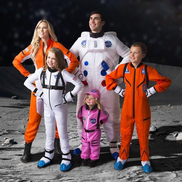 astronauts famille costumes halloween costumes a zipper et a commander en orange et en blanc