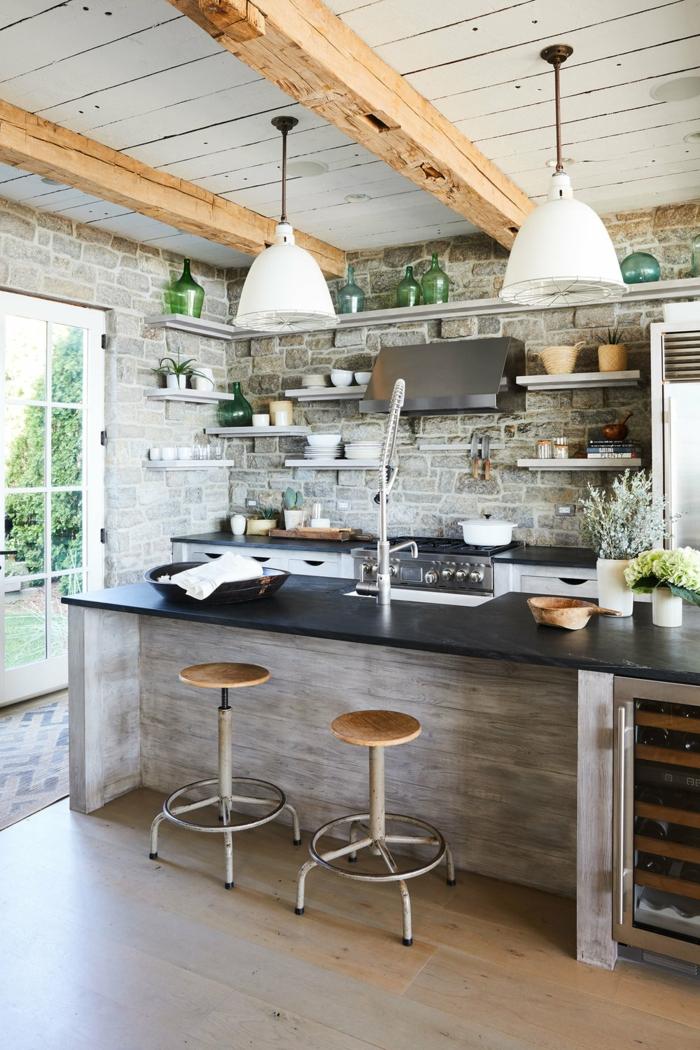 bar dans la cuisine rustique briques gris originale idée cuisine style campagne à l ancienne lustre blanche