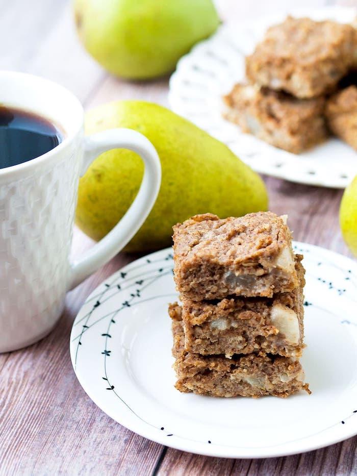 barres aux flocons d avoine et des poires à la cannelle idée de gâteau à la poire healthy