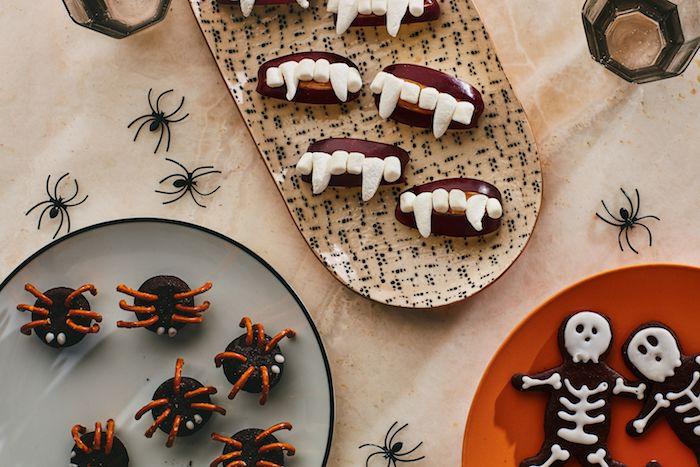 biscuit halloween squelette cookies oreo araigné et bouche de pomme beurre de cacahuete et marshmallow