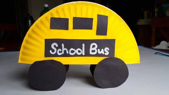 bricolage avec assiette de ppaier et papier coloré le bus d école brioclage facile et rapide et utile