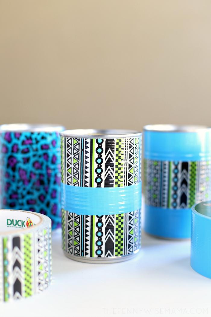 bricolage facile et rapide et utile boite de conserve pot à crayon décoré peinture bleue et wahi tape coloré