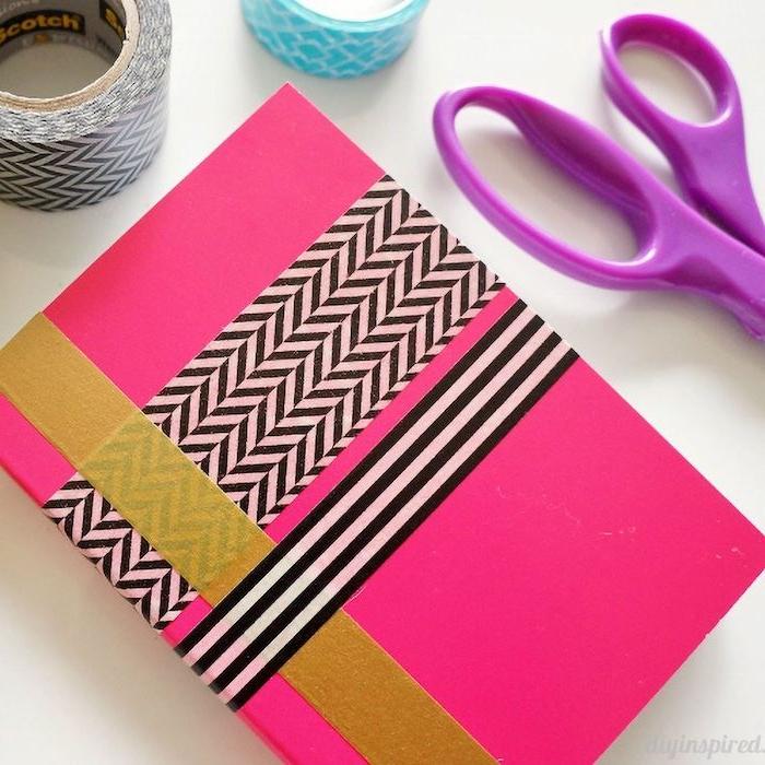 cahier personnalisé de bandes de washi tape colorés idée dactivité manuelle 6 ans thème rentrée scolaire
