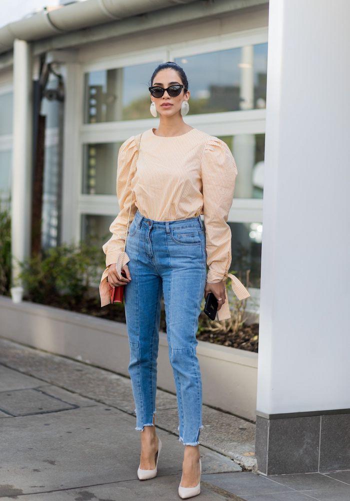 chemisier manche bouffante avec un jean taille haute et chaussures beiges a talon