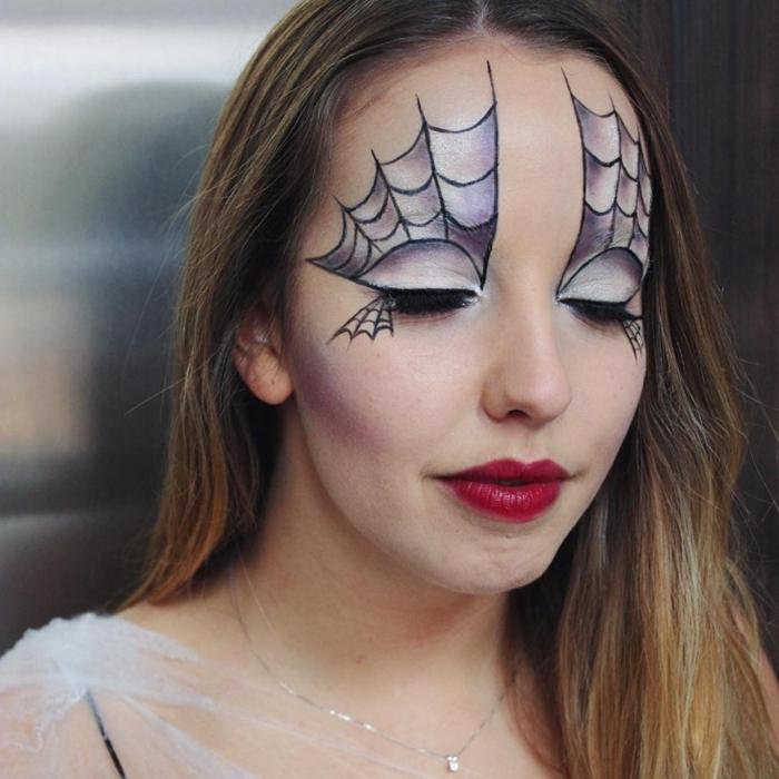collier or idée maquillage toile d araignée rouge à lèvre rouge fards à paupières ombré smoky yeux makeup dessin facile
