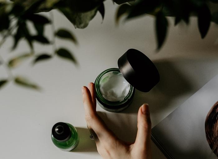 comment bien hydrater sa peau visage soins automne creme de jour ou de nuit masque visage