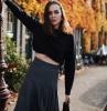 cool idée automne tenue pull cropped jupe plissée en une cote femme jupe plissée noire tenue classe femme comment s habiller bien