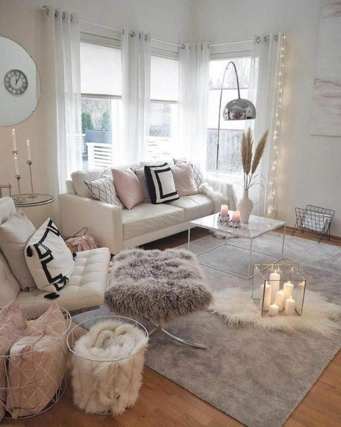 cool idée salon cocooning naturel salle de sejour deco cocooning tapis shaggy bougies blanches allumees au milieu dans une boite en verre