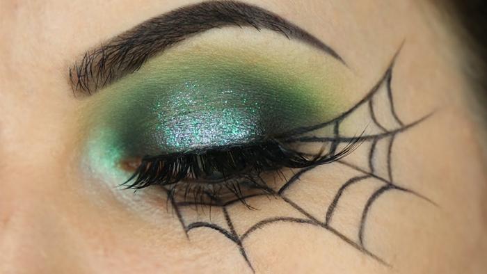 déguisement facile femme fête technique visage smoky yeux fards à paupières verts maquillage halloween simple