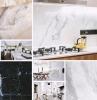 deco de cuisine en marbre noir et blanc cuisine tendance 2020 materiau noble comptoir plan de travail marbre credence cuisine blanche