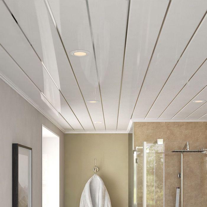 decoration dans la salle de bain plafond lustre brillant