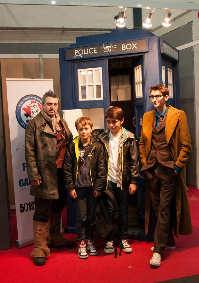 doctor who deguisement femme film et serie idée pour se déguiser la boite bleu police box dr qui