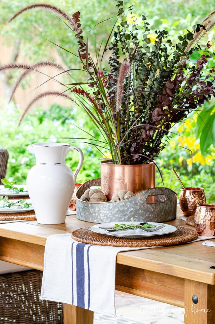 facile diy citrouilles et cuivre vase avec plantes d automne original thème automne deco table d automne deco recup originales idées