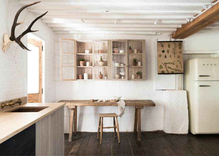 frigo smeg blanc bois banc cuisine blanc et bois style scandinave cuisine rustique la mode du style campagne cuisine ancienne