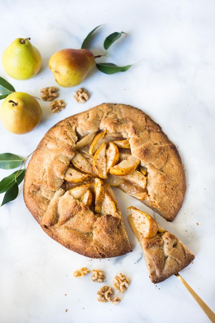galette aux poires idee de dessert healthy à base de fuit de saison dessert poire simple et rapide