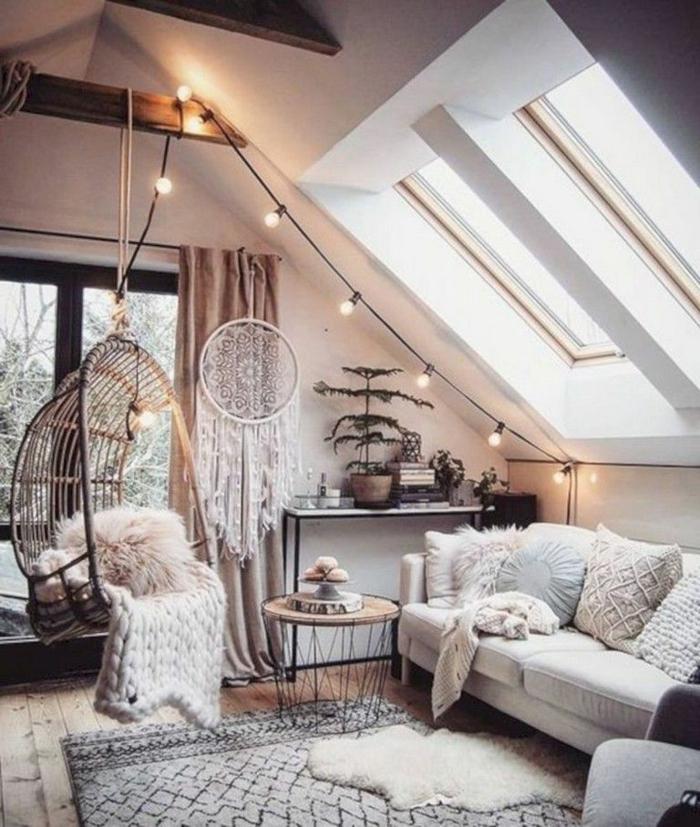 guirlande lumineuse avec boulbes led déco chalet salon sous combre deco maison de campagne cosy salon cocooning