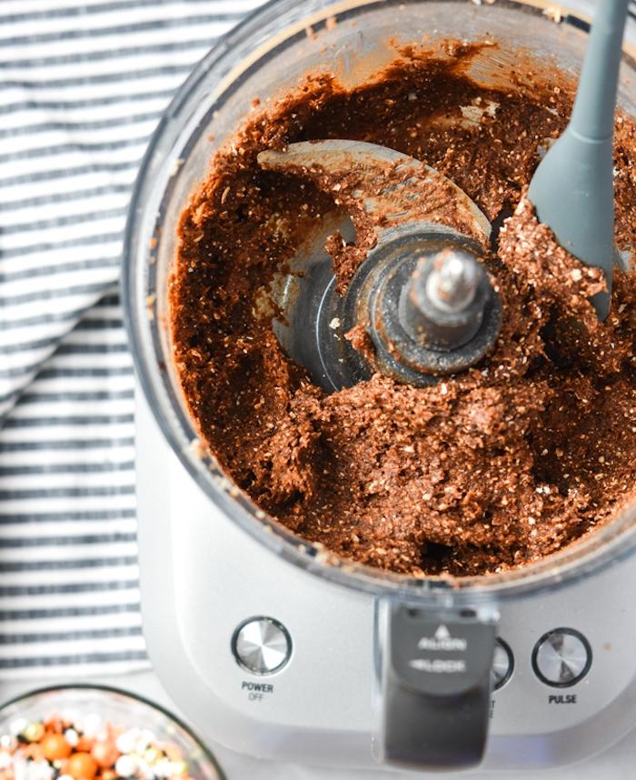 idée de pâte à truffes aux flocons d avoine dattes cacao faire dessert halloween sans cuisson