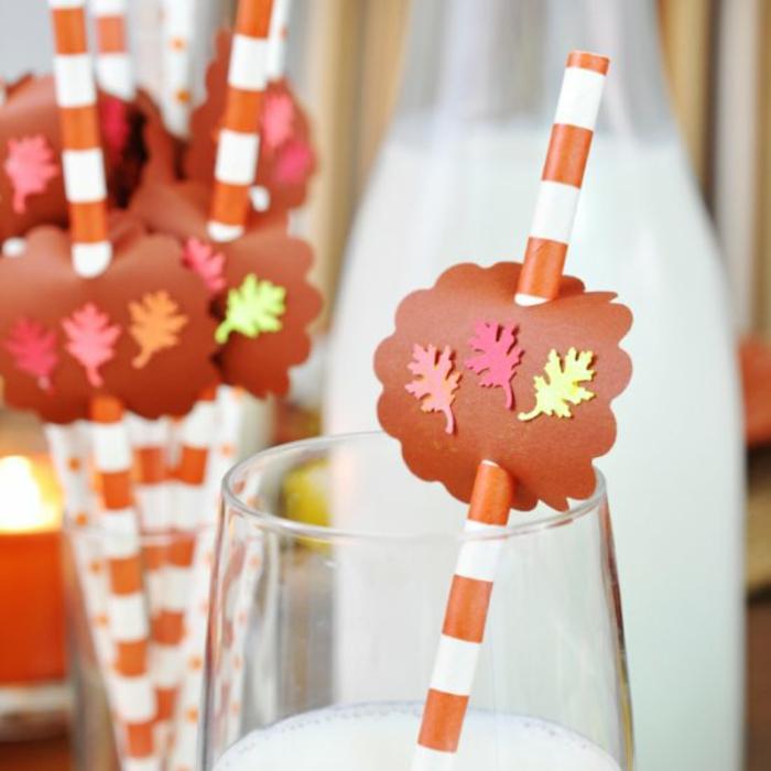 idee comment decorer tout sur la table diy avec papier petits feuilles colorés deco a faire soi meme deco d automne décoration mariage automne