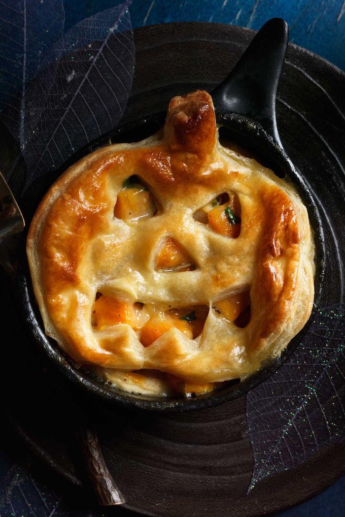 idee repas halloween quiche en forme de citrouille au fourd entree delicieux