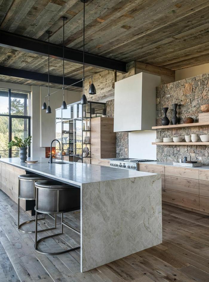 ilot cuisine marbre plafond bois chaises style industriel meuble cuisine bois inspiration intérieur cuisine champêtre
