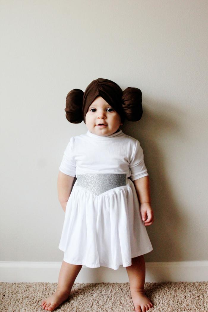 inspiration tenue bébé princesse lea robe blanche coiffure iconique deux chignons deguisement film comment s habiller pour une soirée cinéma