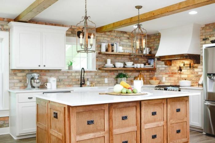 intérieur moderne cuisine champêtre deco campagne chic ilot de cuisine bois massive briques mur